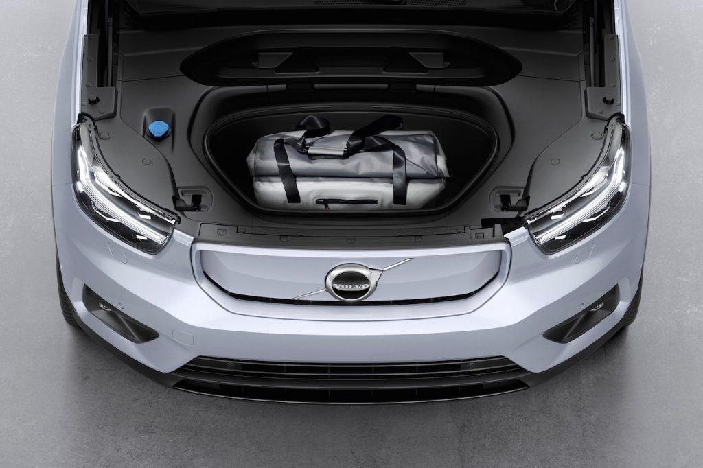 Volvo XC40 EV boot front