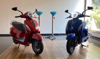 Here's how many electric scooters Bajaj & TVS sold in 2020