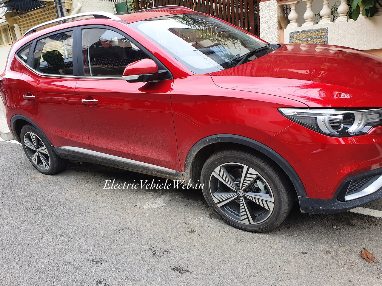 MG eZS electric SUV side spotted in Bengaluru