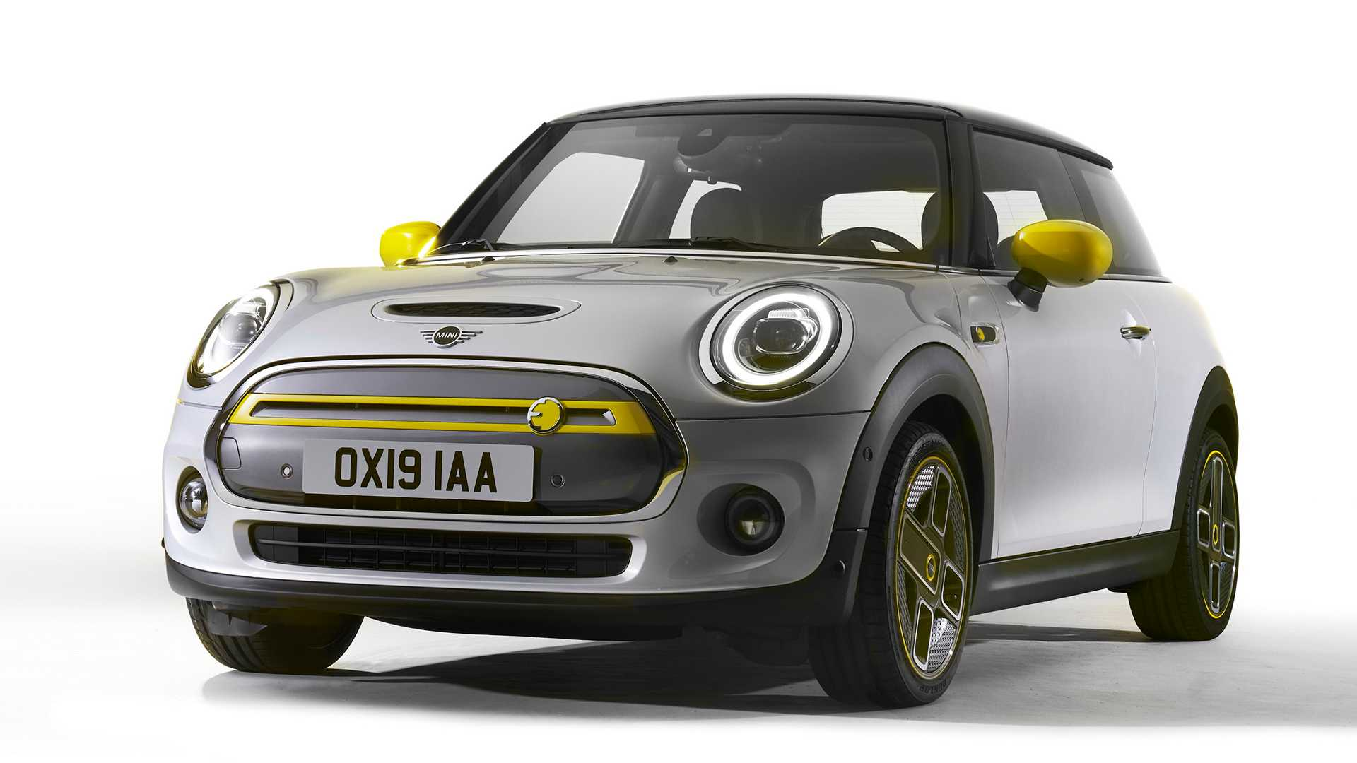 MINI Cooper SE press image front