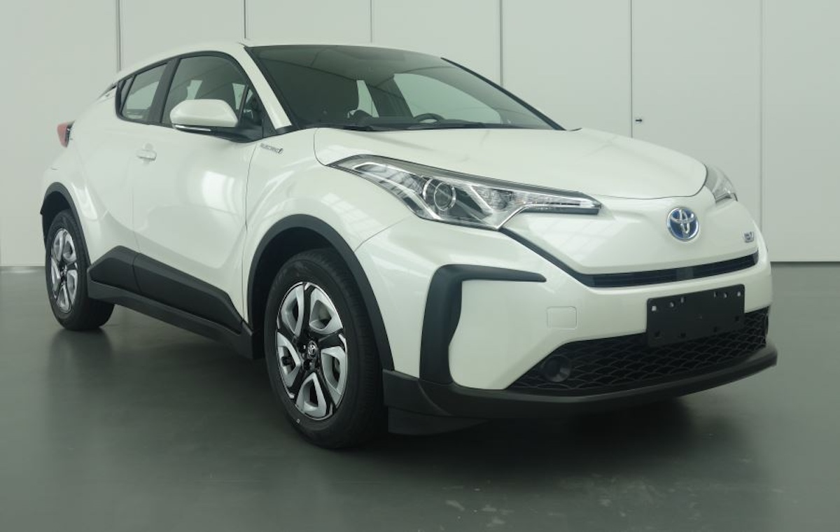 Toyota C-HR electric from China front