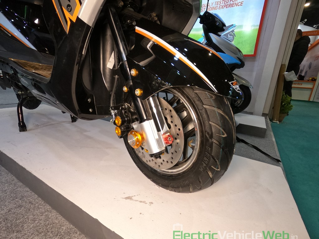 DAO EVTech GT electric scooter disc brake