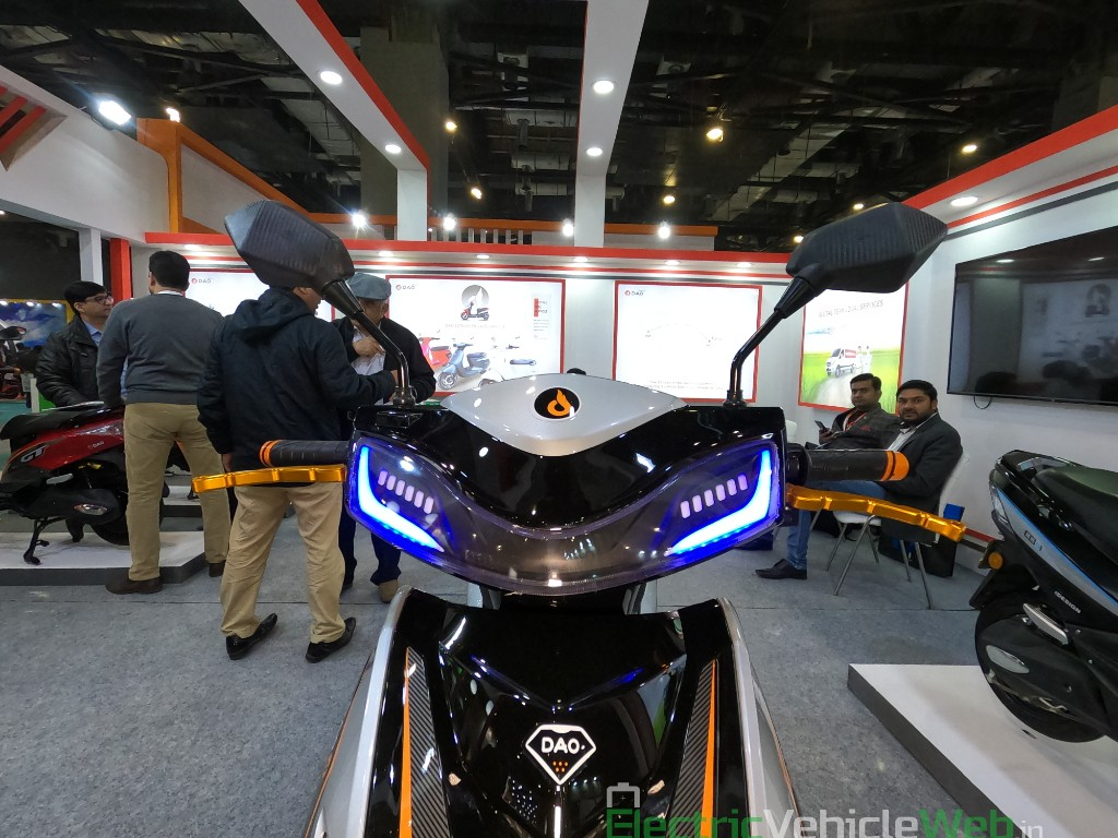 DAO EVTech GT electric scooter mirror and indicator