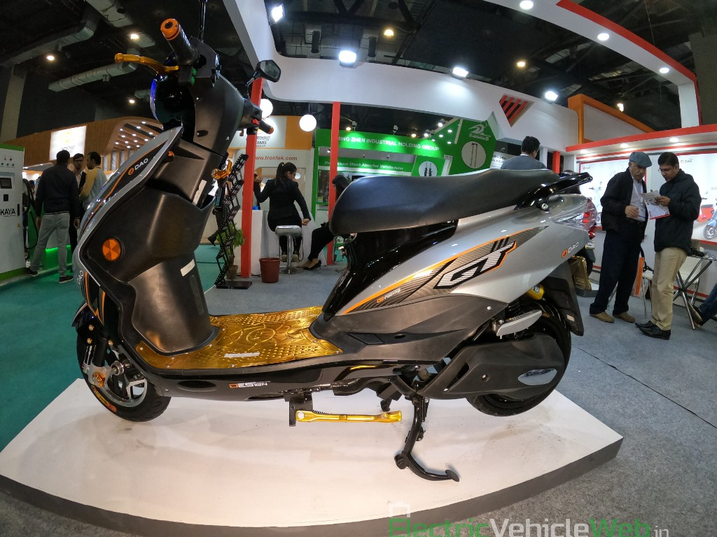 DAO EVTech GT electric scooter side view