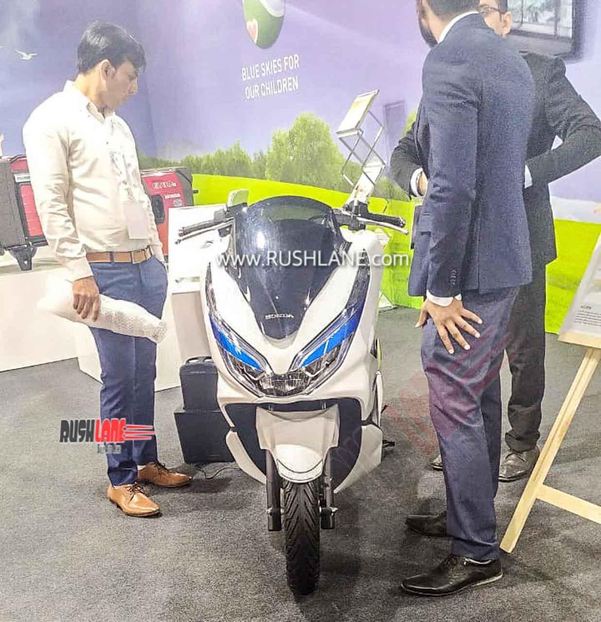 Honda PCX Electric Dealer showcase