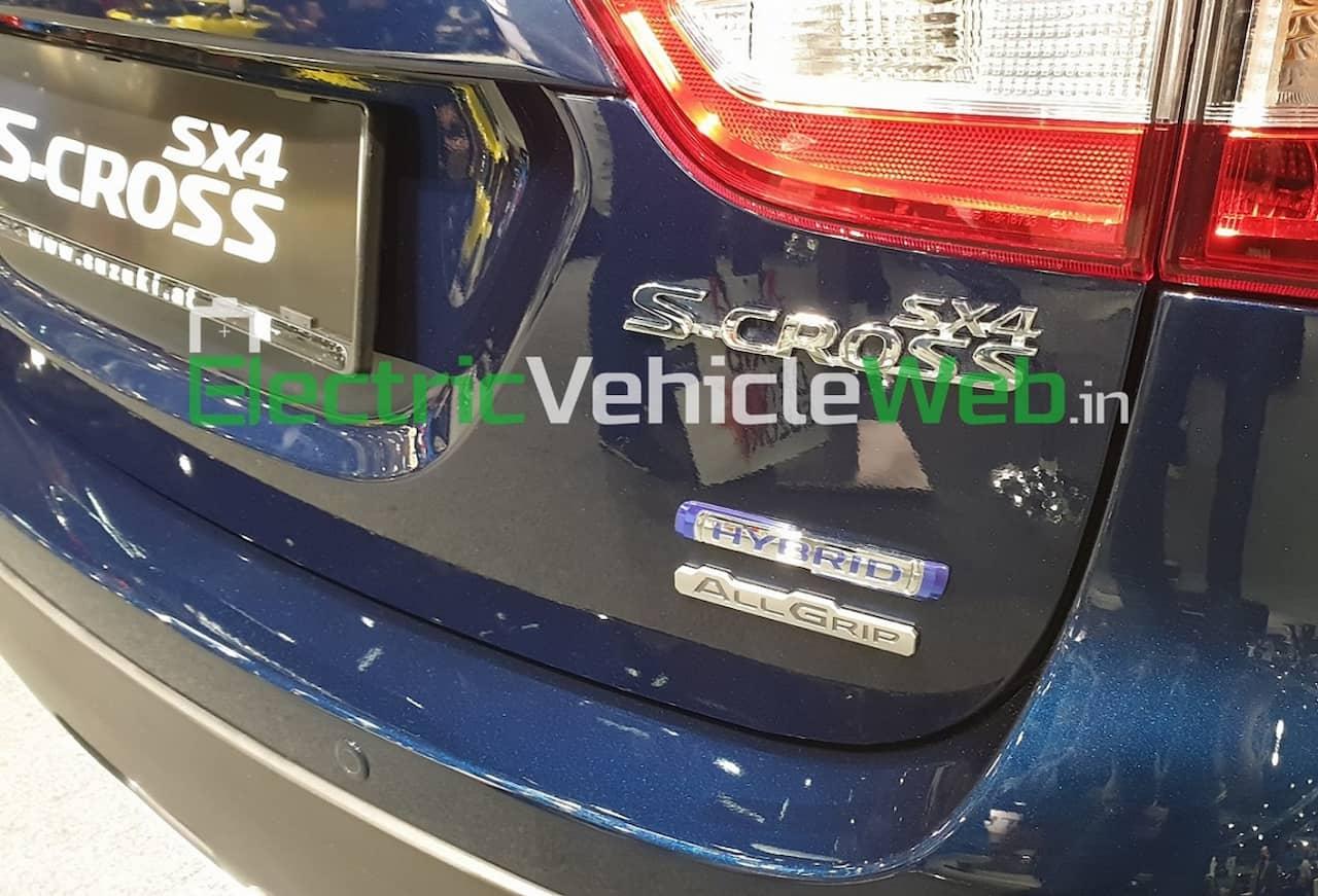 Suzuki SX4 S-Cross Hybrid variant