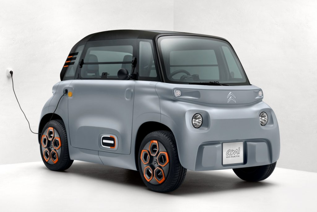 Citroen-Ami-electric-quadricycle-charging