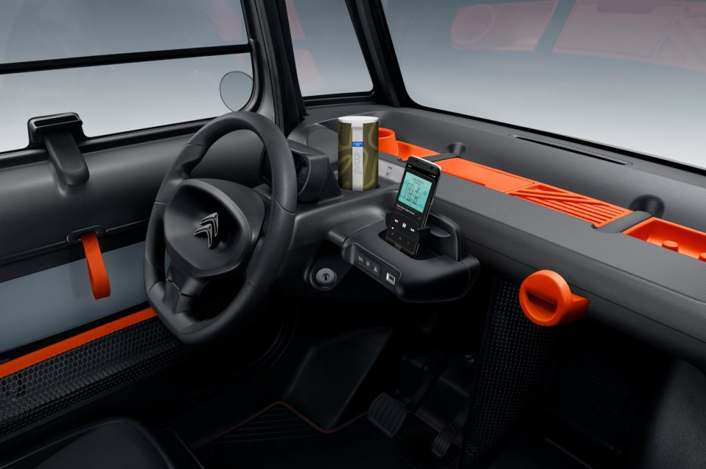 Citroen-Ami-electric-quadricycle-dashboard