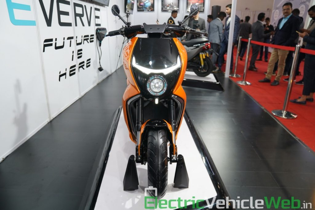 Everve Motors Electric Scooter front view - Auto Expo 2020 Live