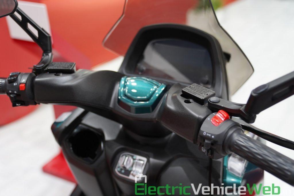 Hero Electric AE-3 Trike - Auto Expo 2020 (4)
