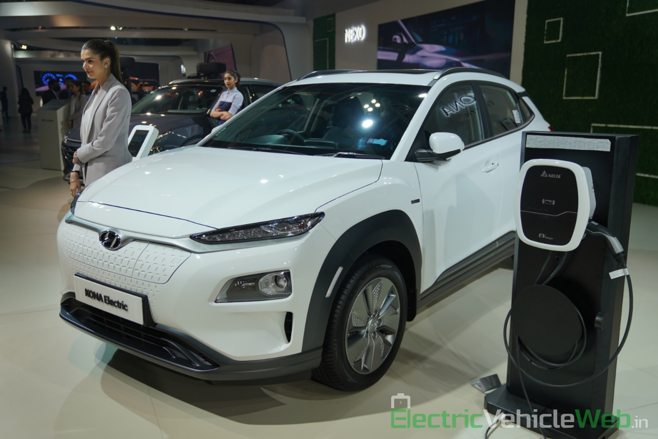 Hyundai Kona Electric front three quarter view - Auto Expo 2020