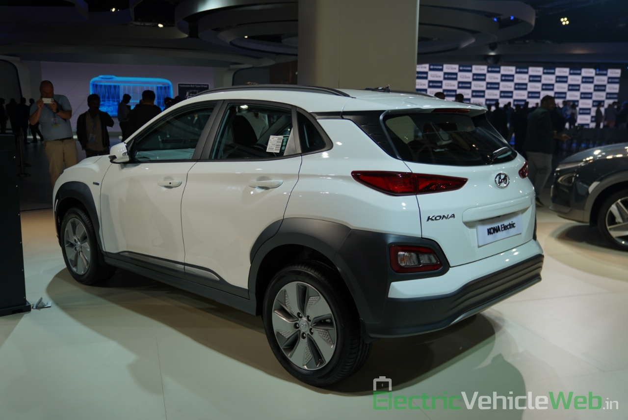 Hyundai Kona Electric rear three quarter view 2 - Auto Expo 2020