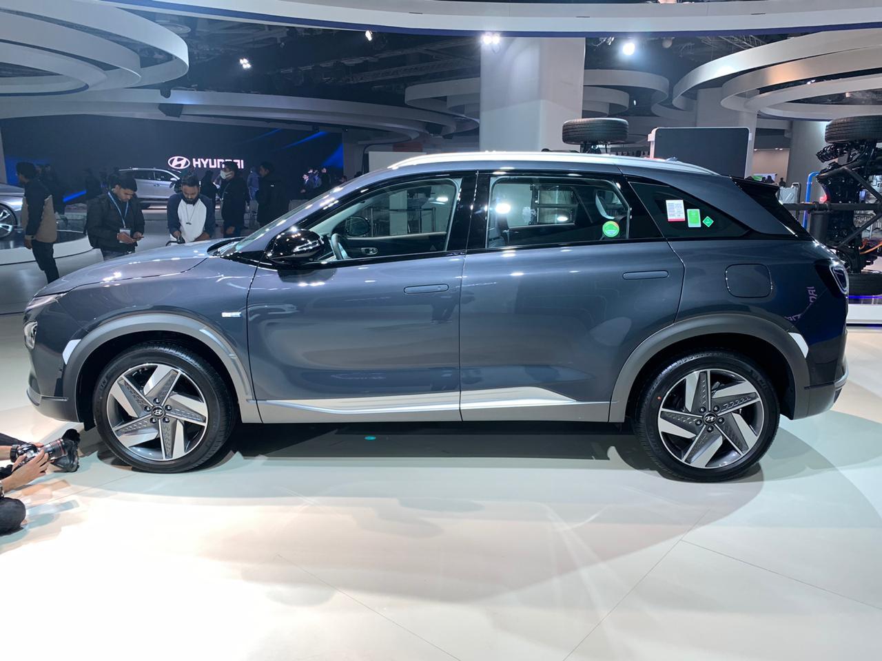 Hyundai Nexo side view - Auto Expo 2020