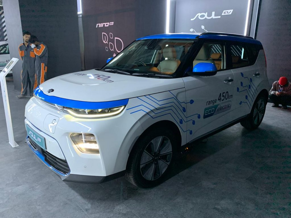 Kia Soul EV Auto Expo 2020 front three quarter view