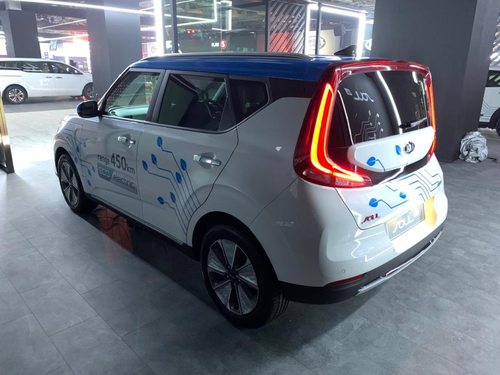 Kia Soul EV Auto Expo 2020 rear three quarter view 1