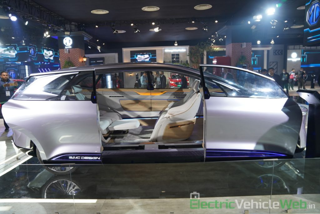 MG Vision-i (Roewe Vision i) Concept doors 1 - Auto Expo 2020