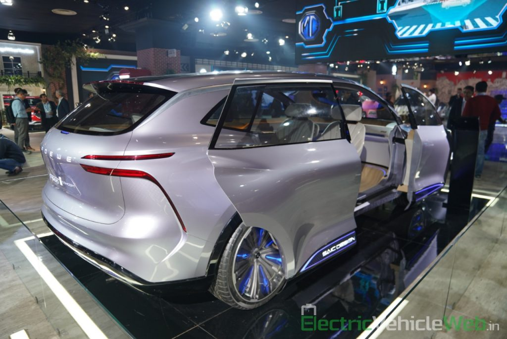 MG Vision-i (Roewe Vision i) Concept doors 2 - Auto Expo 2020