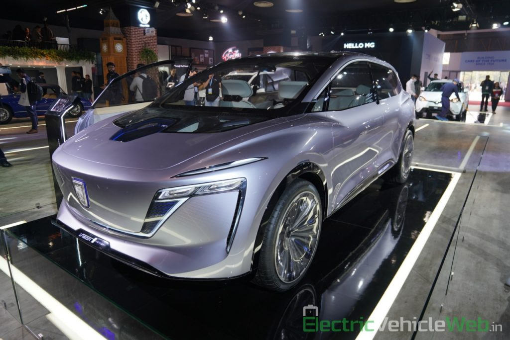 MG Vision-i (Roewe Vision i) Concept front three quarter view - Auto Expo 2020