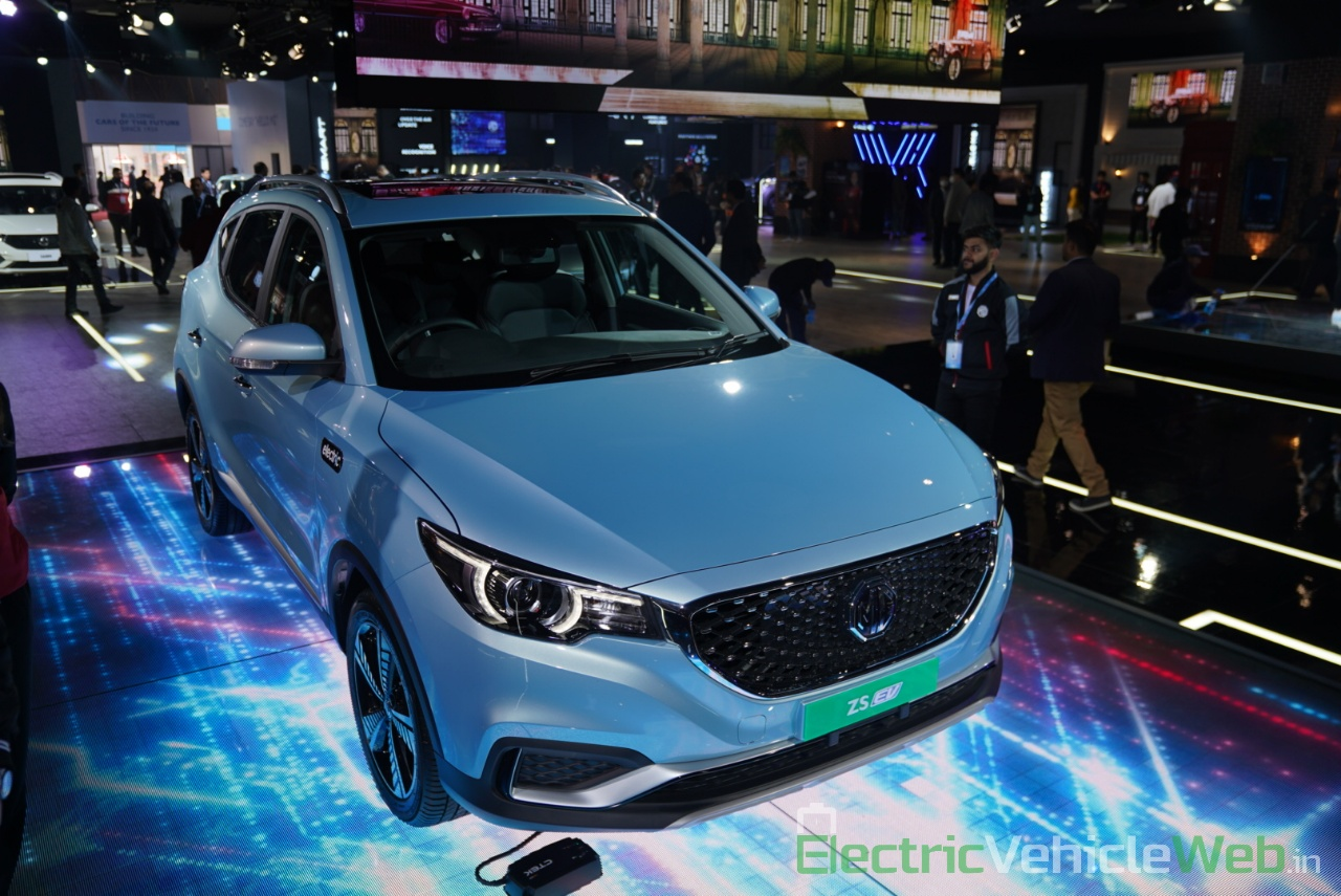 MG ZS EV front three quarter view 1 - Auto Expo 2020