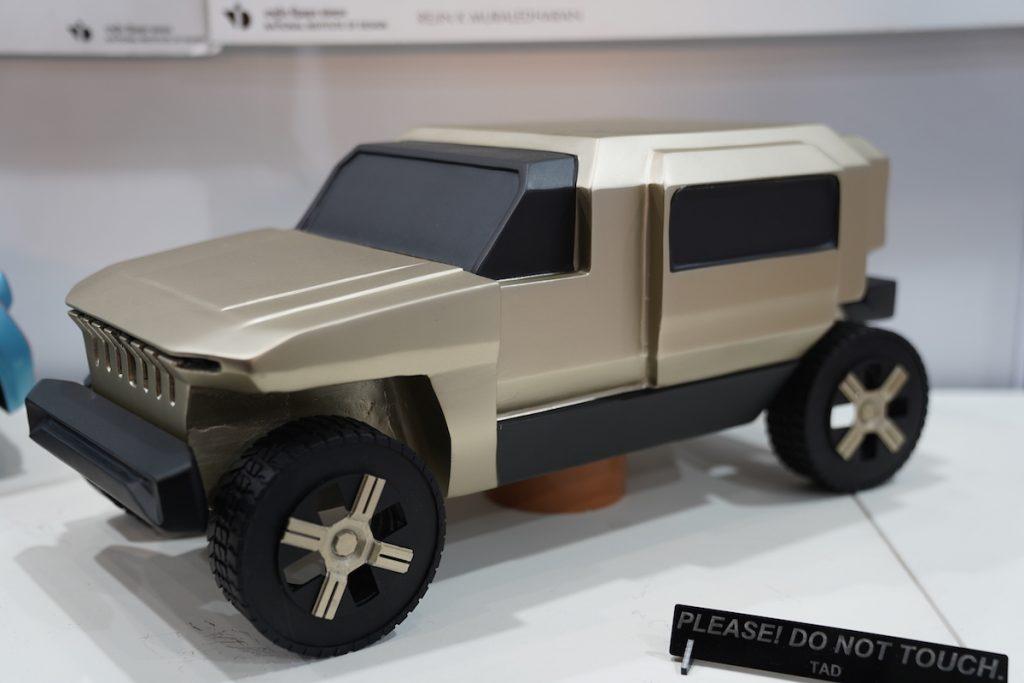 Mahindra Rath Concept front three quarter view 1 - Auto Expo 2020