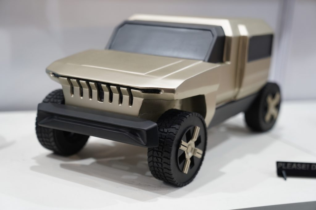 Mahindra Rath Concept front three quarter view 2 - Auto Expo 2020