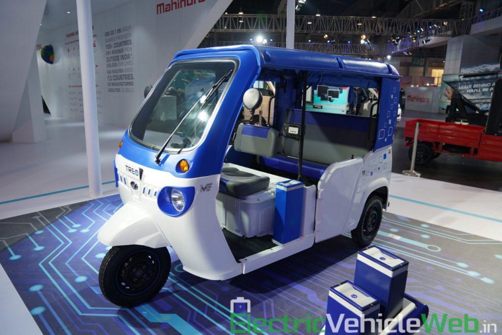 Mahindra Treo front three quarter view 1 - Auto Expo 2020