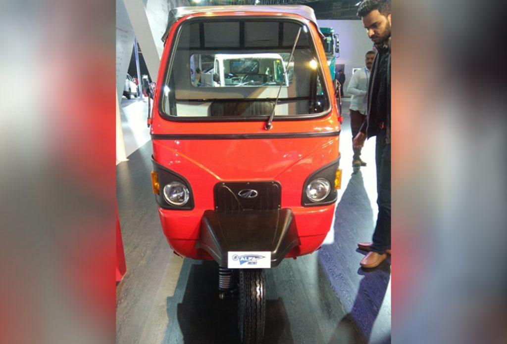 Mahindra e-ALFA mini front view 1 - Auto Expo 2020
