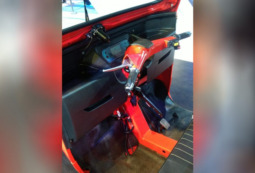 Mahindra e-ALFA mini interior 1 - Auto Expo 2020