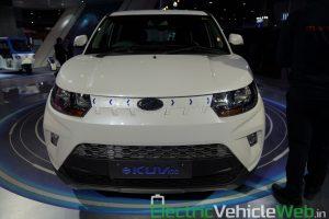 Mahindra eKUV100 front view - Auto Expo 2020