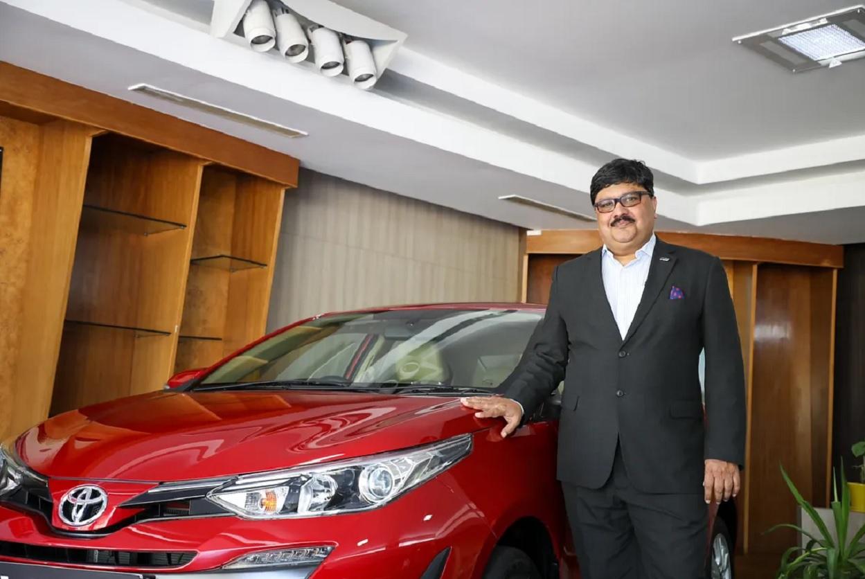 Naveen Soni, Senior VP - Sales and Customer Service
