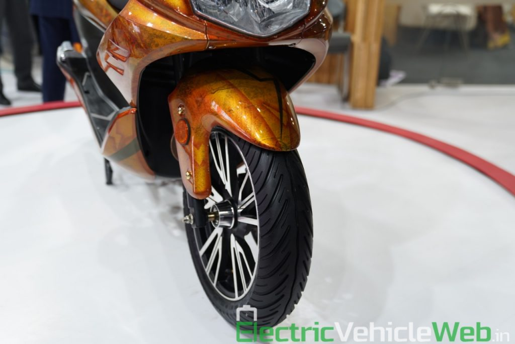 Okinawa Cruiser front wheel - Auto Expo 2020 Live