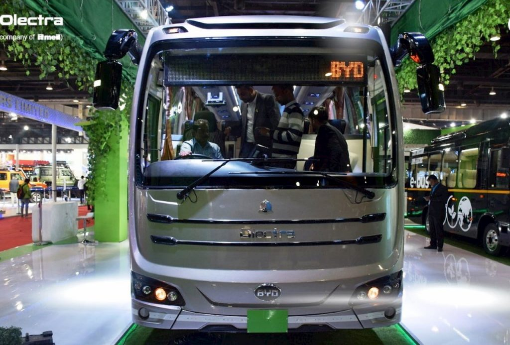 Olectra-BYD-C9-Electric-Bus-front-view-Auto-Expo-2020
