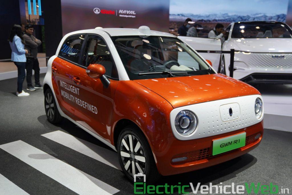 Ora R1 Level 4 Autonomous front three quarter view - Auto Expo 2020