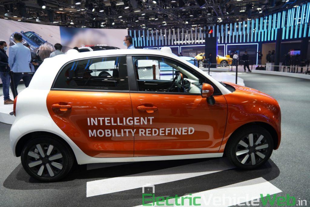 Ora R1 Level 4 Autonomous side view - Auto Expo 2020