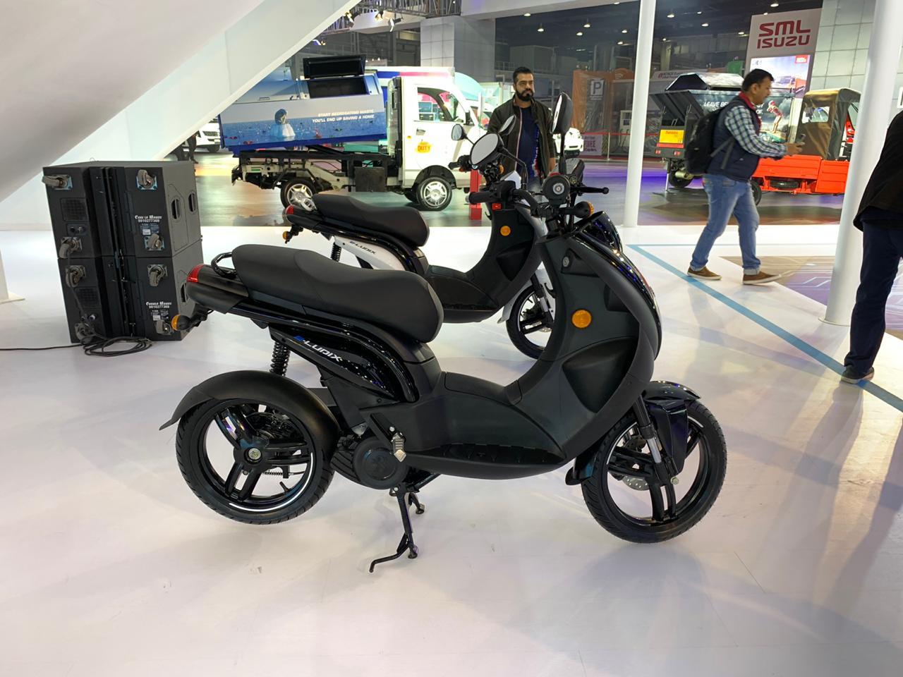 Peugeot e-Ludix side at the Auto Expo 2020