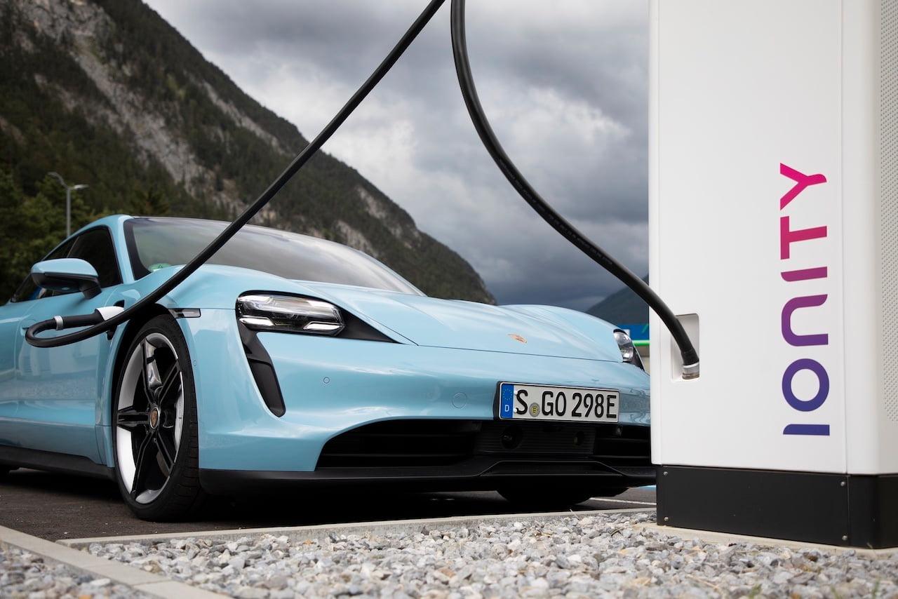 Porsche Taycan charging Ionity Plug & Go