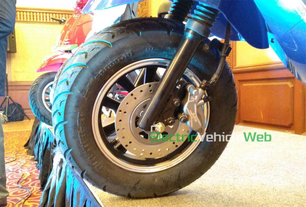 PureEV epluto 7g front wheel