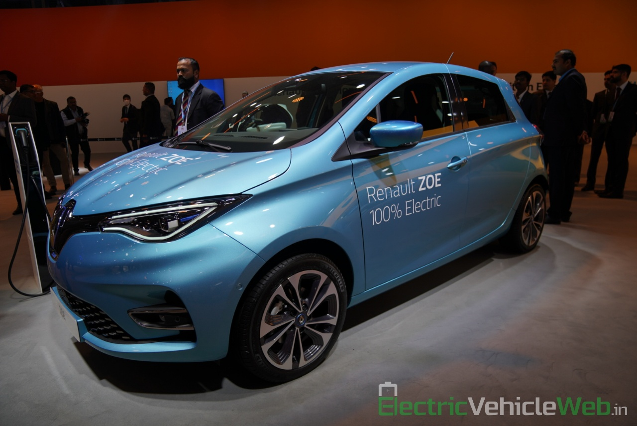 Renault Zoe Electric front three quarter view - Auto Expo 2020