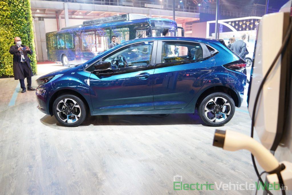 Tata Altroz EV side view 1- Auto Expo 2020