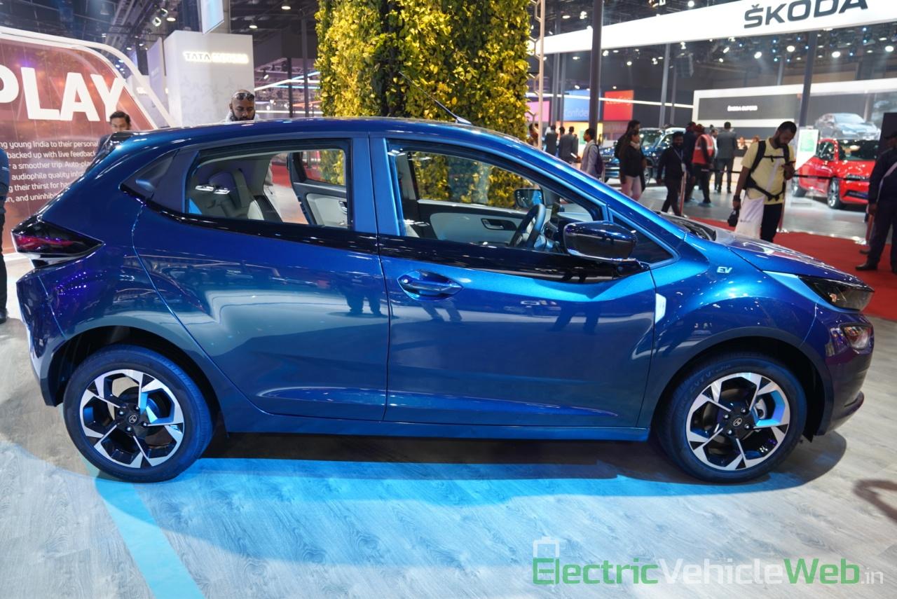Tata Altroz EV side view 2- Auto Expo 2020
