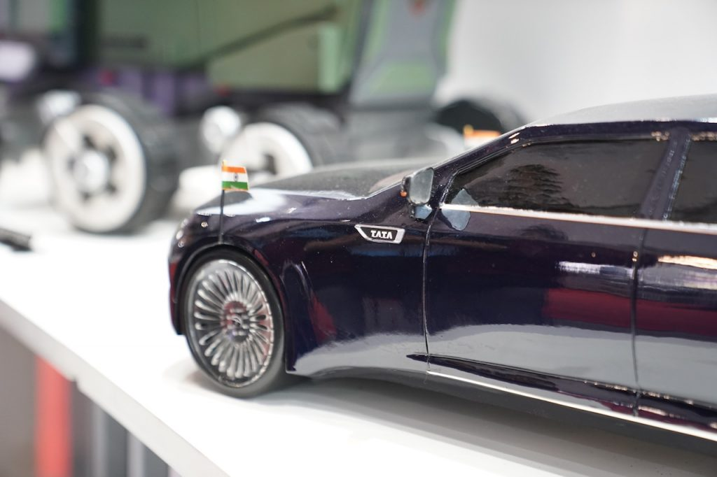 Tata Garuda electric presidential car fender
