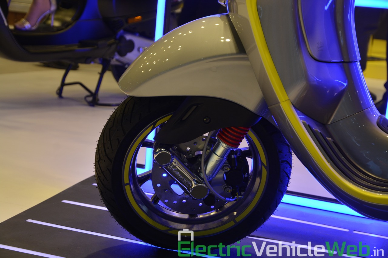 Vespa Elettrica electric scooter front wheel - Auto Expo 2020