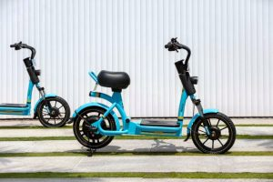 Yulu Miracle electric scooter side view