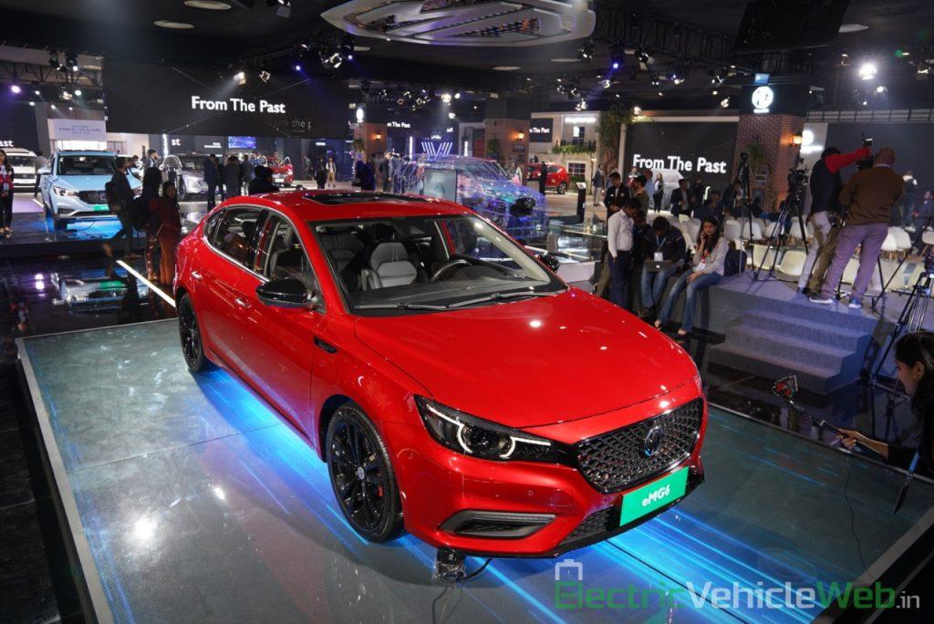 eMG 6 PHEV front three quarter view 1 - Auto expo 2020