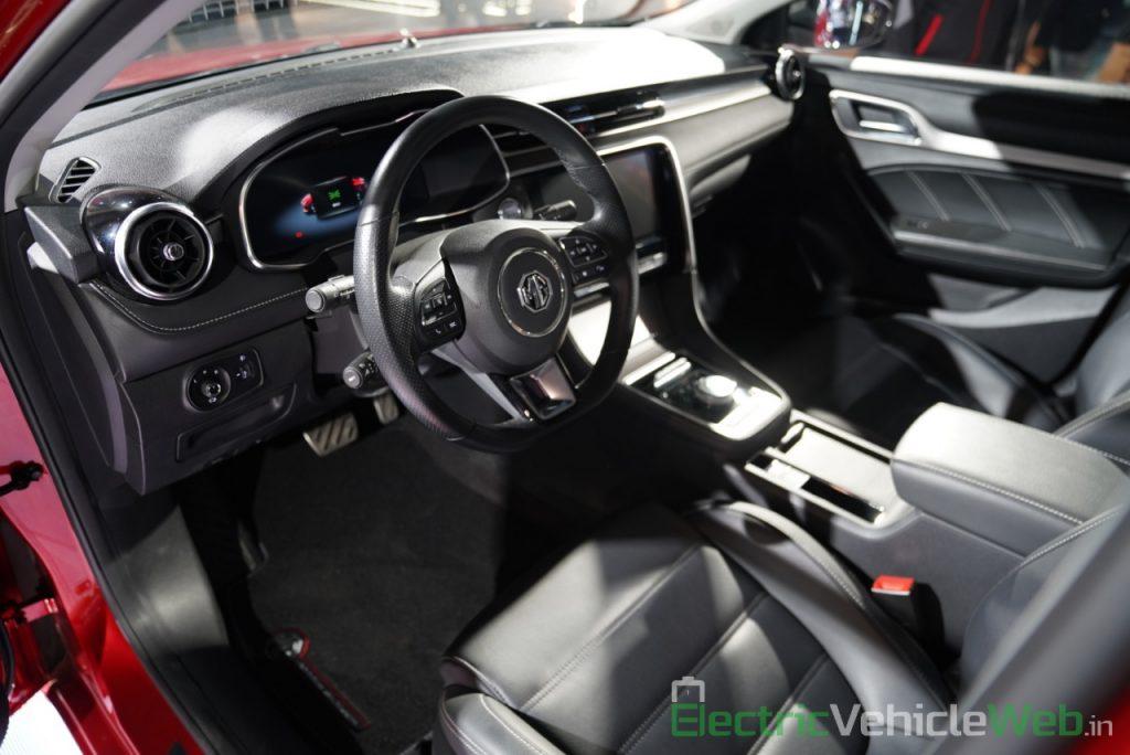 eMG 6 PHEV interior dashboard - Auto expo 2020