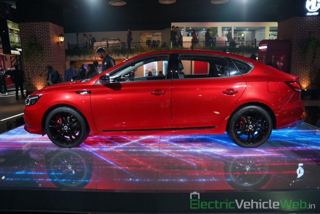 eMG 6 PHEV side view - Auto expo 2020