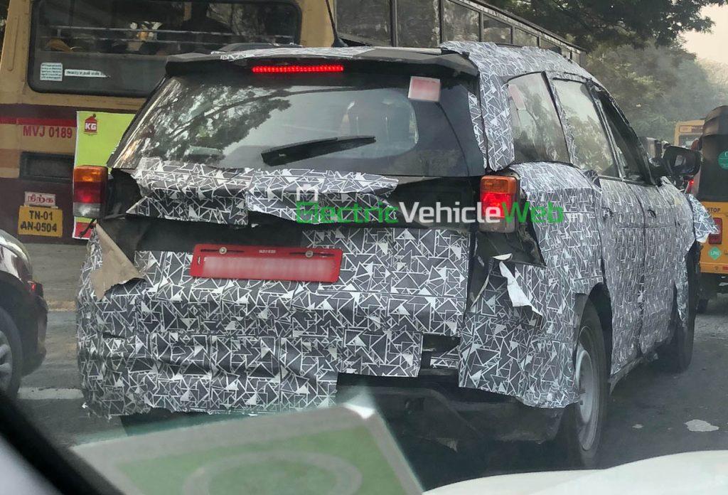 Mahindra XUV500 spied testing 03