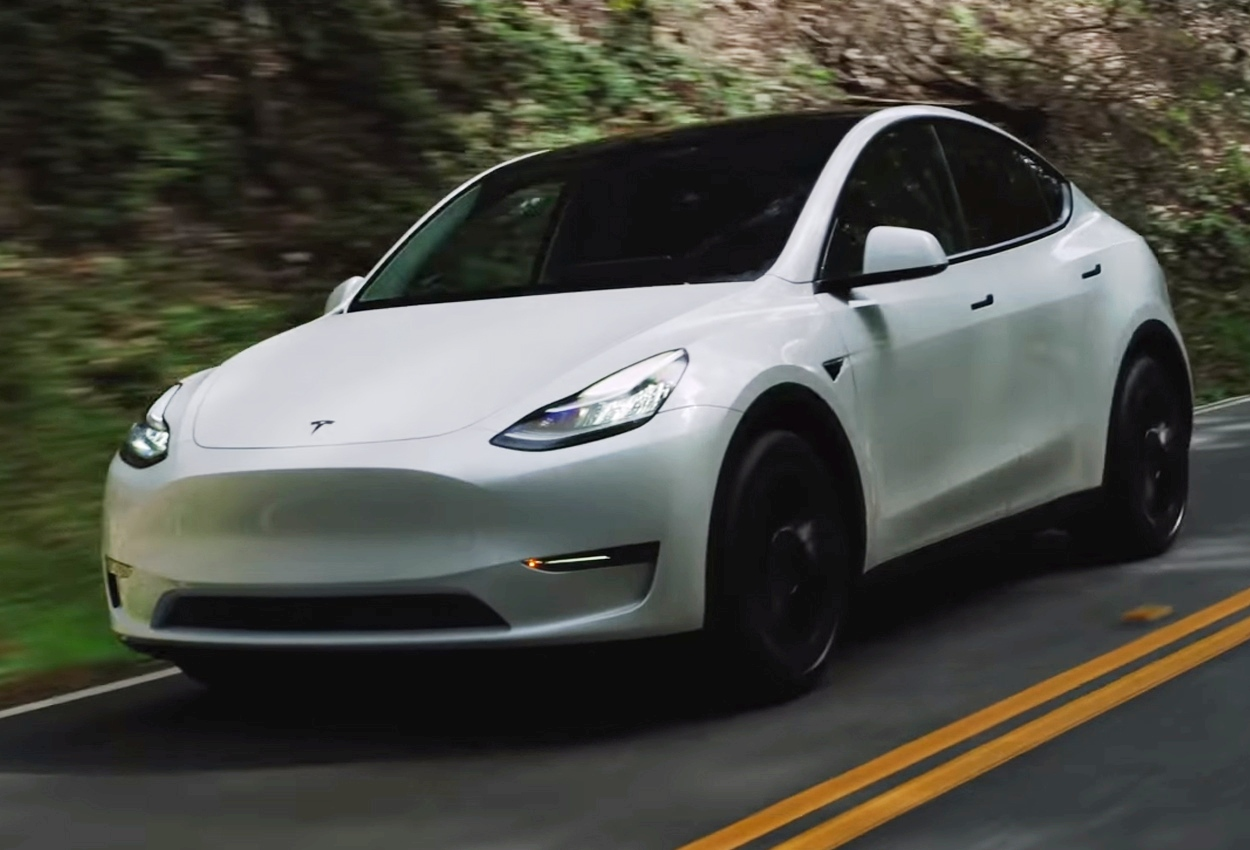 Tesla Model Y deliveries begin