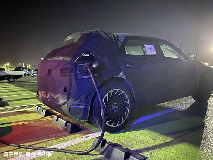Hyundai-Pony-inspired-45-EV-production-vehicle-test-mule-E-GMP-charging
