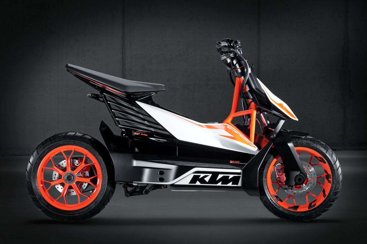 KTM E-speed scooter side